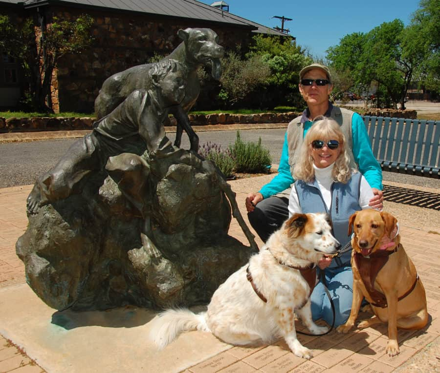 photo opportunity in front of Mason Texas library Old Yeller